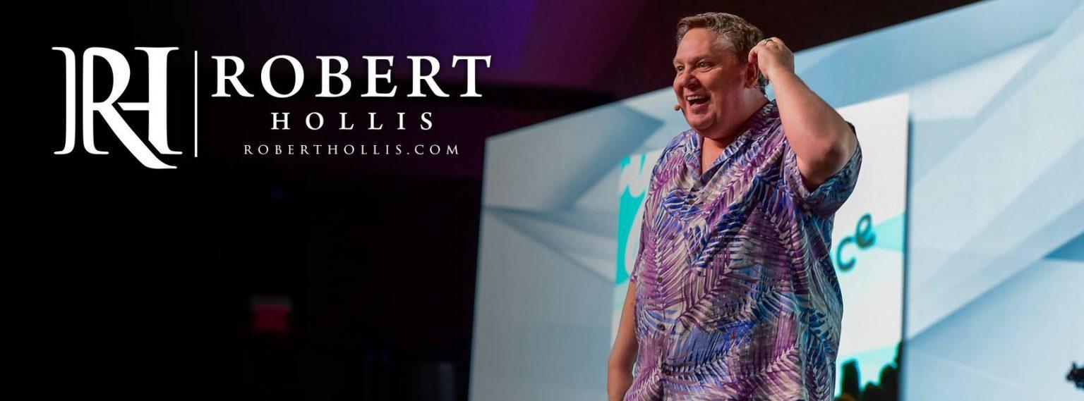 Robert Hollis előadás közben a színpadon